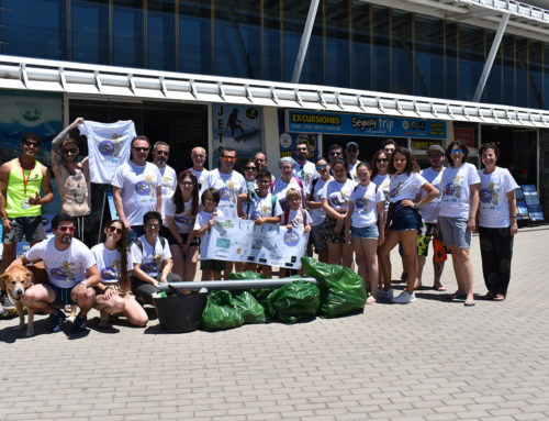 Cuarenta voluntarios extraen 20 kilos de basura de la playa Punta del Raset