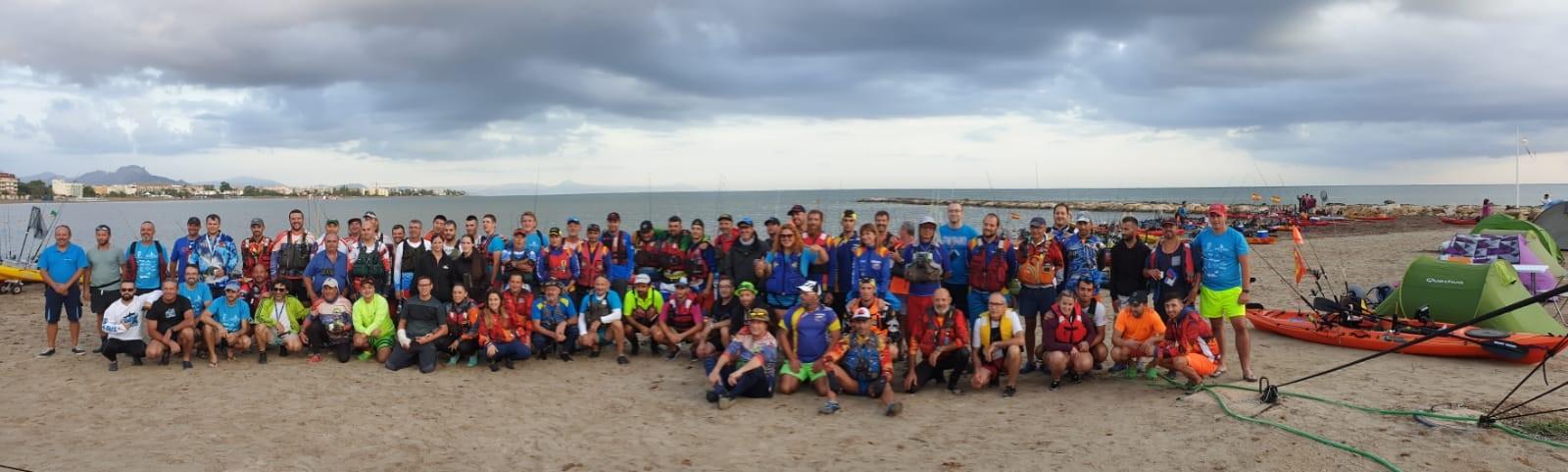 Marina El Portet se suma a la campaña kayak contra el plástico