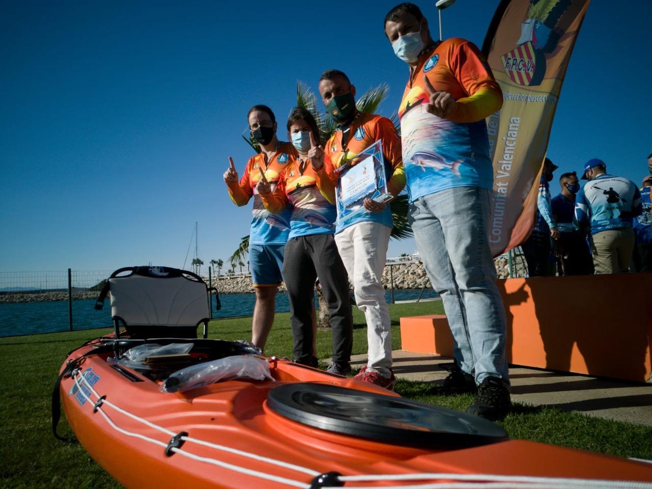 Pachi, del CD Marina El Portet, se proclama campeón de España de pesca en kayak