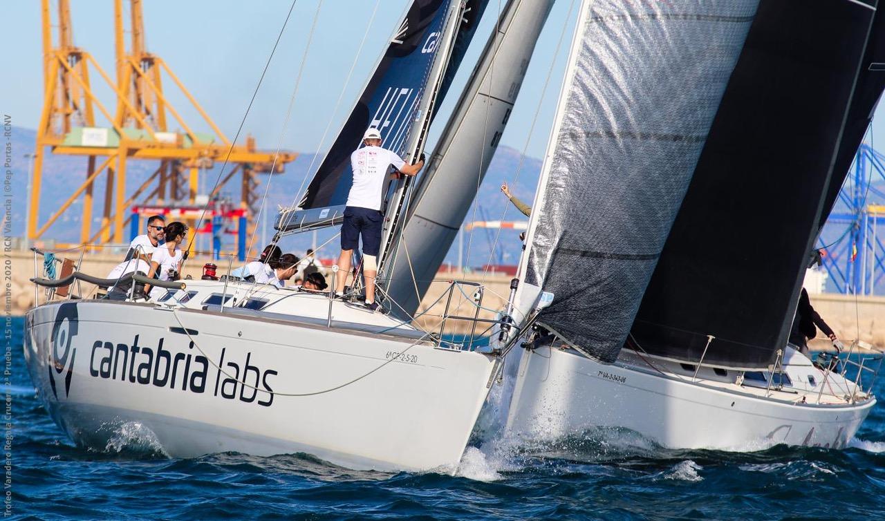 El Club de Vela Marina El Portet sigue con regatas y planifica un curso
