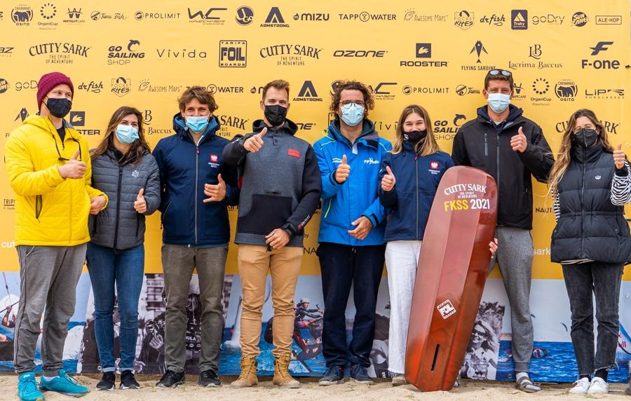 Los deportistas del Club Marina El Portet de Kite Surf suben al pódio en el Palamós